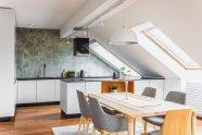 Moderné podkrovné kuchyne