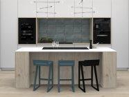 Skleněná kuchyně v kombinaci s dřevěnou dýhou
